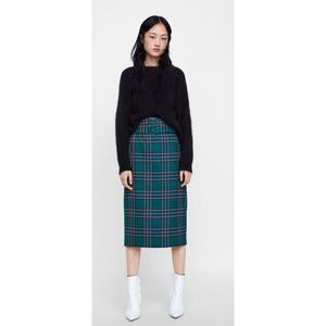 PLAID BELTED PENCIL SKIRT